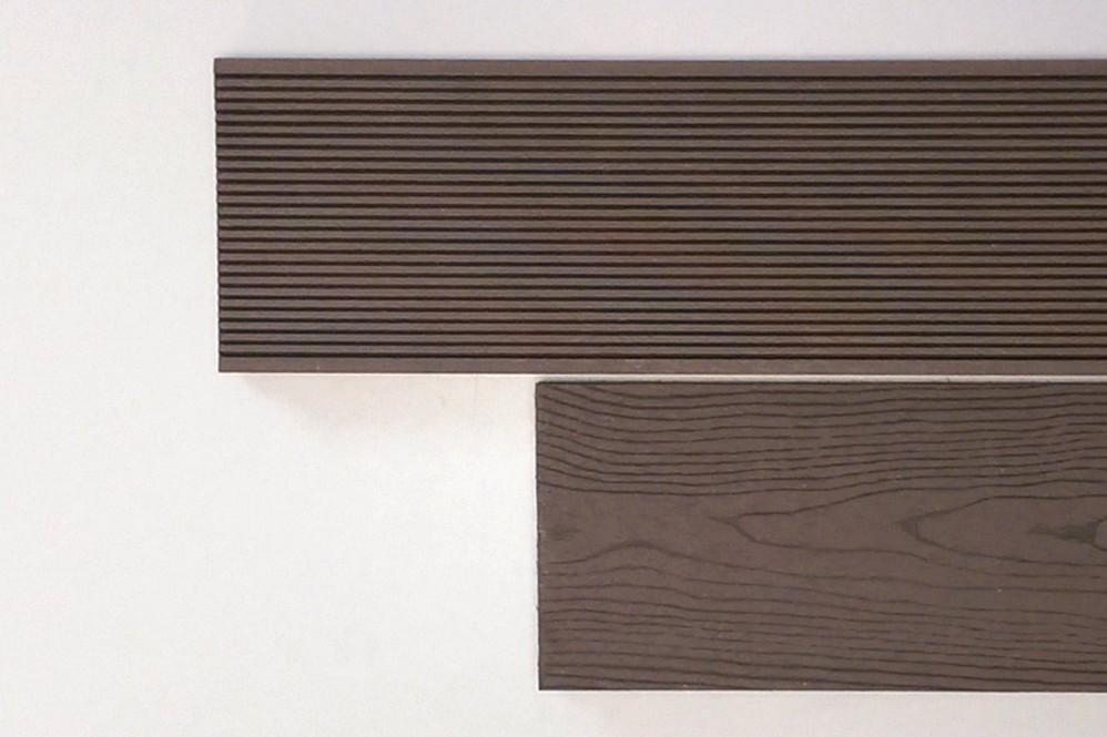 WPC-Diele Holz-Look dunkelbraun 4 m